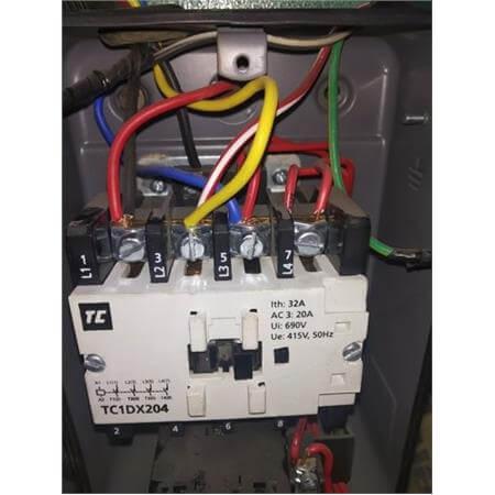 TC1DX254-4 Pole, AC